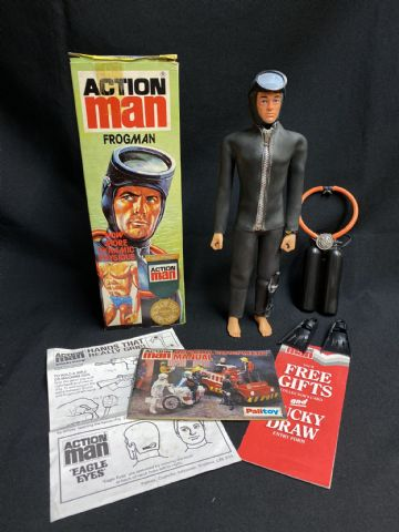 ACTION MAN - FROGMAN  - BOXED  ULTRA RARE.